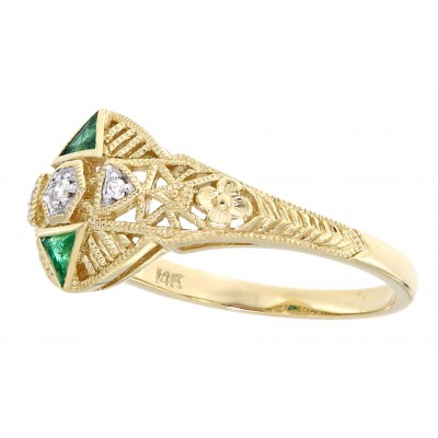 Art Deco Style Filigree Ring Diamonds and natural emerald accents 14kt Yellow Gold
